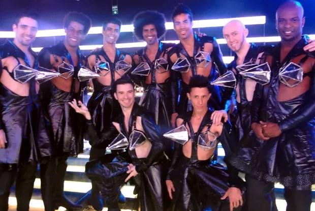 Figurino dos Bailarinos destaca o tema da semana: peitos (Foto: Amor & Sexo / TV Globo)