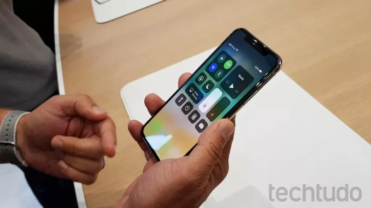 Central de controle do iOS 11 no iPhone X (Foto: Thássius Veloso / TechTudo)
