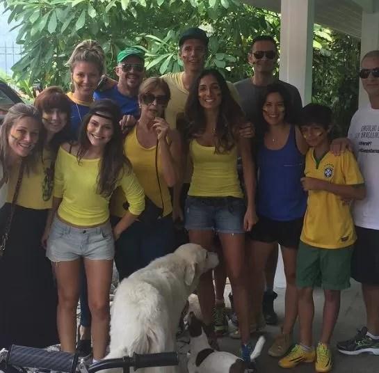 Ellen Jabour, Márcio Garcia e amigos em manifestação (Foto: Instagram / Reprodução)