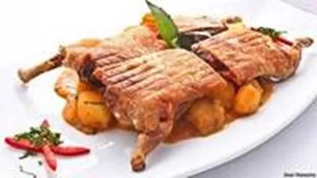 Cuy, prato típico do Peru, do Equador e da Bolívia (Foto: Inés Menacho/BBC)