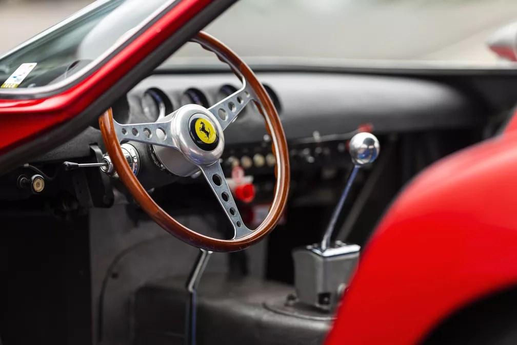 Ferrari 250 GTO é considerada o 'Santo Graal' dos colecionadores (Foto: Patrick Ernzen/Divulgação/RM Sotheby's)