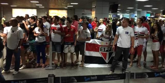 Desembarque do São Paulo em Salvador (Foto: Carlos Augusto Ferrari)