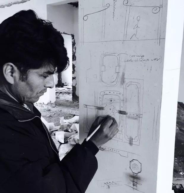 Freddy Mamani trabalhava como assistente de pedreiro até conseguir uma vaga no curso de construção civil (Foto: Reprodução/Instagram/freddy_mamani_silvestre)