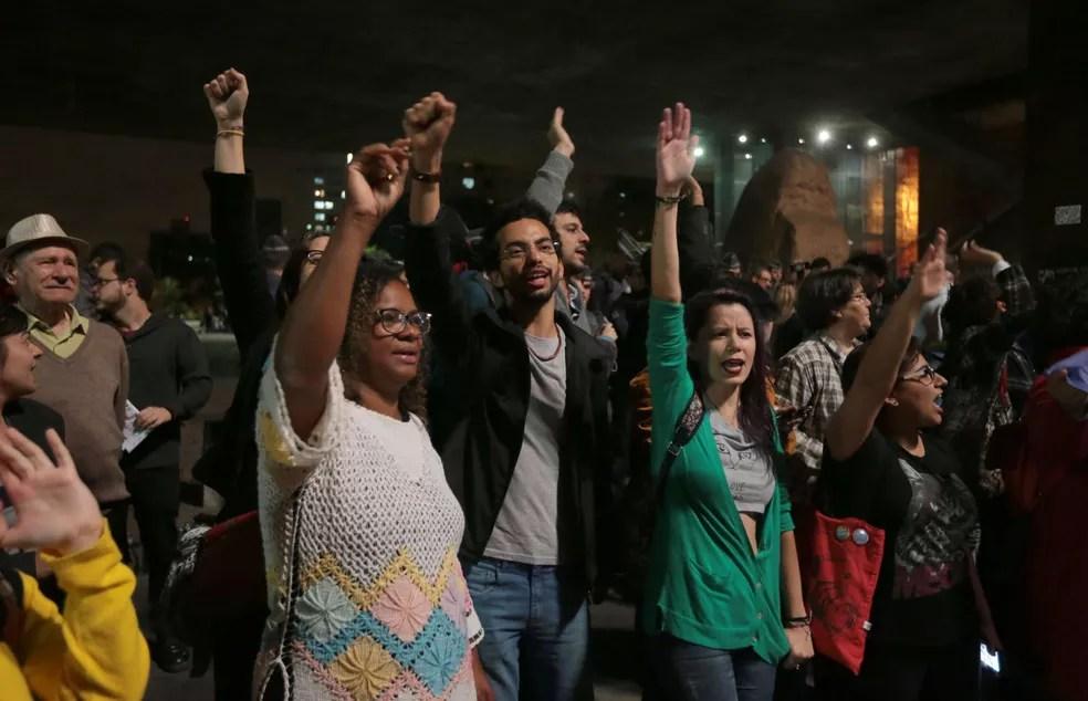 Manifestantes na Avenida Paulista pedem saída de Temer (Foto: Alex Silva/Estadão Conteúdo)