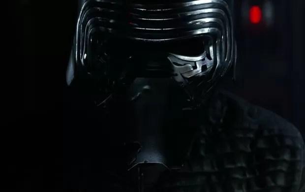 Kylo Ren é a nova ameaça sith de'Star Wars: Episódio VII'. Ele é subordinado do supremo líder Snoke, que ainda não foi mostrado em imagens (Foto: Reprodução/YouTube/Star Wars)