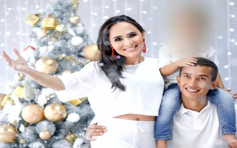 Patrícia Gonçalves Ferreira, de 32 anos, ao lado do esposo e filho, em Aparecida de Goiânia  — Foto: Reprodução/TV Anhanguera