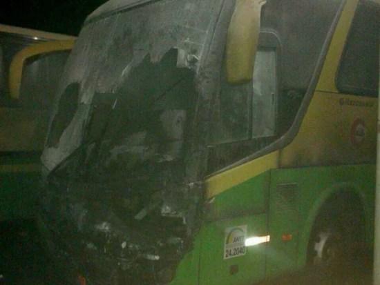 Ônibus incendiado em João Câmara, RN  (Foto: Divulgação/PM)