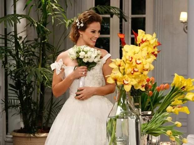 Marina, de Insensato Coração, escolheu um modelo romântico (Foto: Divulgação/Gshow/TV Globo)