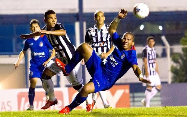 Jael jogo São Caetano e Figueirense (Foto: Ale Vianna / Ag. Estado)