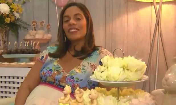 Polyanna ganhou um chá de fraldas, produzido por grupo de mães — Foto: Reprodução/TV Bahia