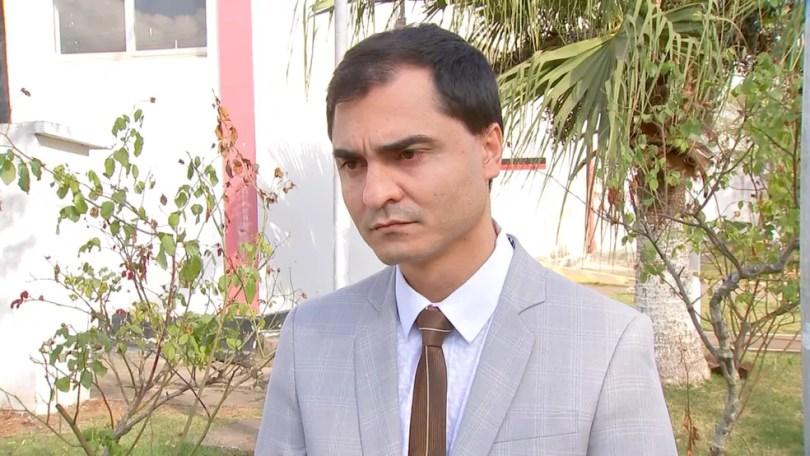 Advogado ressaltou que não há provas suficientes para manter Júlio preso  (Foto: TV TEM/Reprodução)