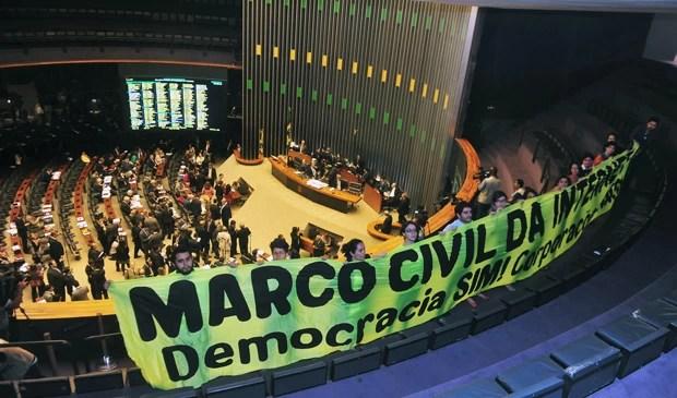 Apoiadores acompanharam da galeria da Câmara legislação considerada a constituição da rede (Foto: Gustavo Lima/Câmara)