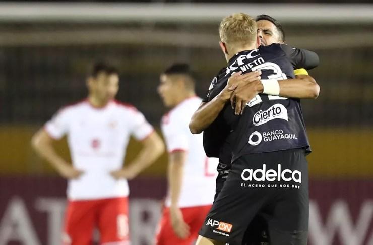 Dani Nieto fez o gol que levou o Independiente del Valle para a semifinal — Foto: José Jácome/EFE