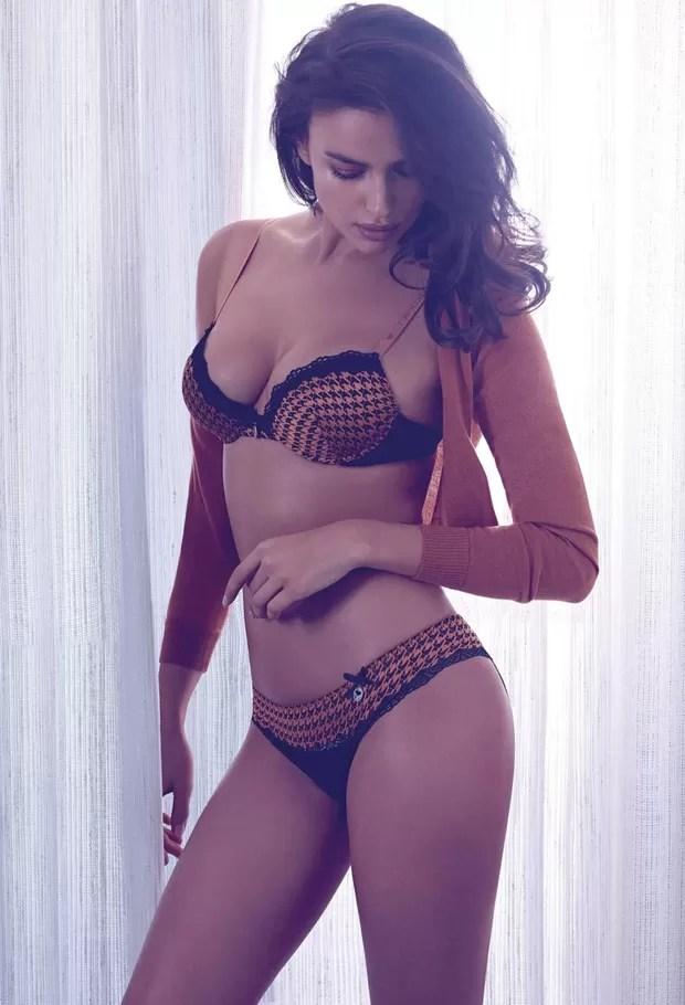 Irina Shayk em campanha de lingerie da Twin Set (Foto: Divulgação)