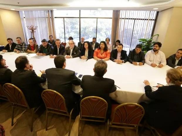 Representantes da Contraf-CUT e da Fenaban fazemnova reunião de negociação em São Paulo (Foto: Jaílton Garcia / Contraf-CUT)