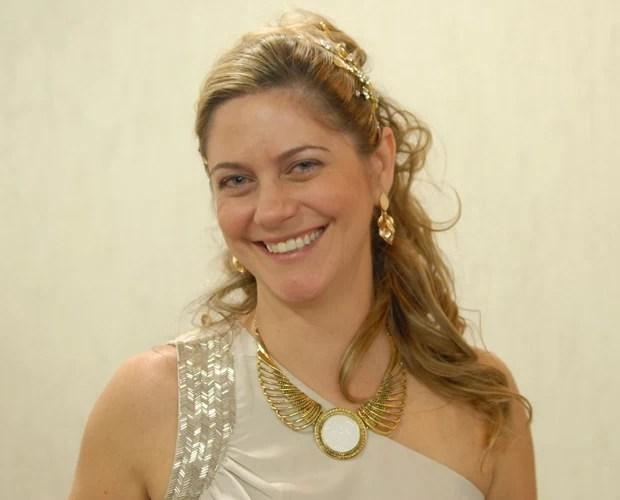 Renata recepciona os concorrentes com o tema 'Pedacinho da Bahia' (Foto: Mais Você / TV Globo)