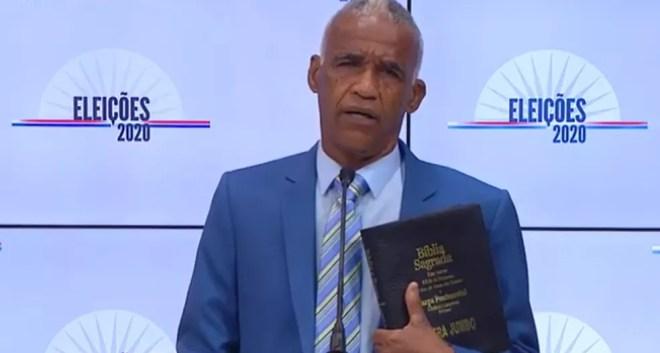 O candidato Pastor Sargento Isidório (Avante) no debate da TV Educadora — Foto: Reprodução / Youtube
