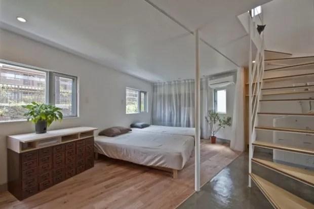 O primeiro piso é inteiramente integrado sem paredes  (Foto:  Hiroshi Tanigawa/Divulgação)