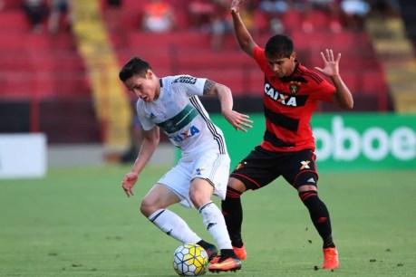 Sport perde para o Coxa e Oswaldo a cabeça em uma partida chave nesta campanha de apenas permanência na Série A(foto: globoesporte.com)