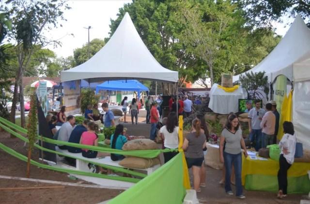Exposição fez parte da primeira Festa do Café de Cacoal (Foto: Magda Oliveira/ G1 )