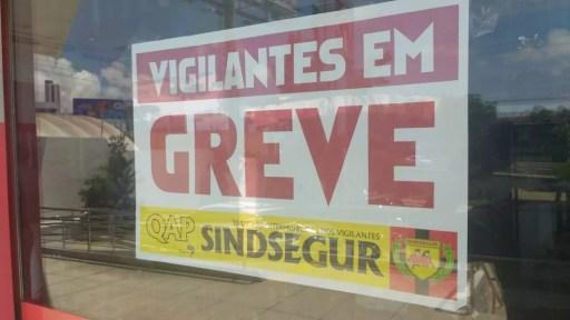 Vigilantes do RN entraram em greve no dia 26 de fevereiro de 2018 (Foto: Igor Jácome/G1)