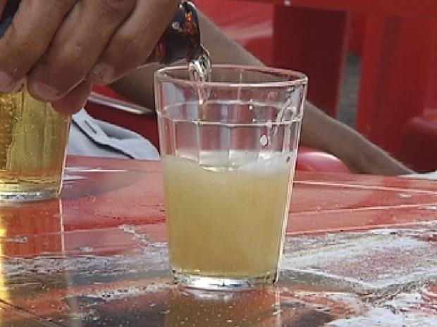 Bebida alcoólica é a principal responsável por cirrose em Rio Preto (Foto: Reprodução/TV TEM)