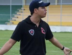 Brian Guzman, técnico do Botafogo Espectros (Foto: Renata Vasconcelos)