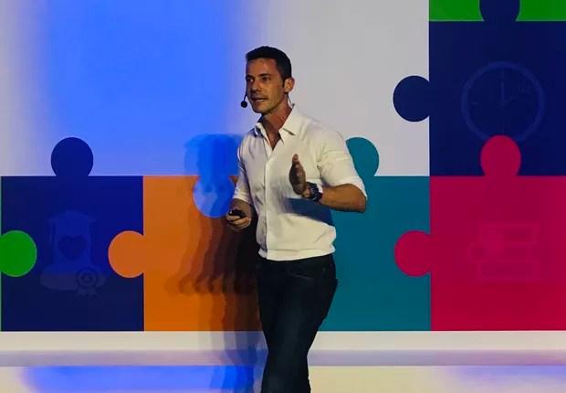 Rodrigo Galindo, CEO, ao anunciar a transformação da Kroton na holding Cogna (Foto: Marcelo Moura)