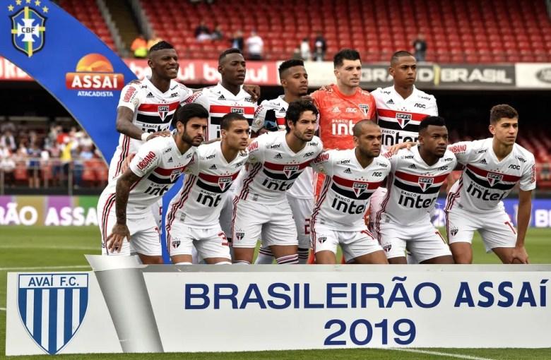 Time do São Paulo que enfrentou o Avaí no Morumbi — Foto: Marcos Ribolli