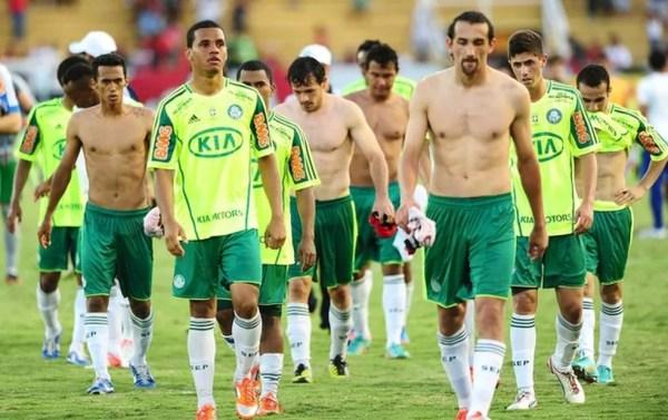 No mesmo ano, Palmeiras venceu a Copa do Brasil, mas acabou caindo no Brasileiro — Foto: Marcos Ribolli
