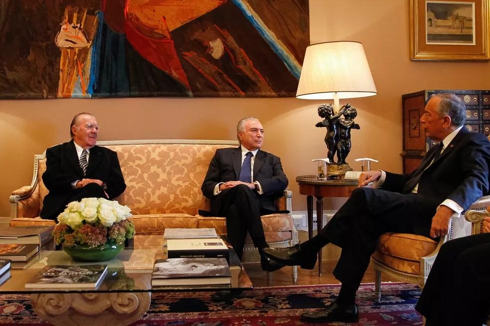 O ex-presidente José Sarney (à esquerda) e o presidente Michel Temer se reúnem com o presidente de Portugal, Marcelo Rebelo de Sousa, em Lisboa (Foto: Beto Barata/Presidência da República)
