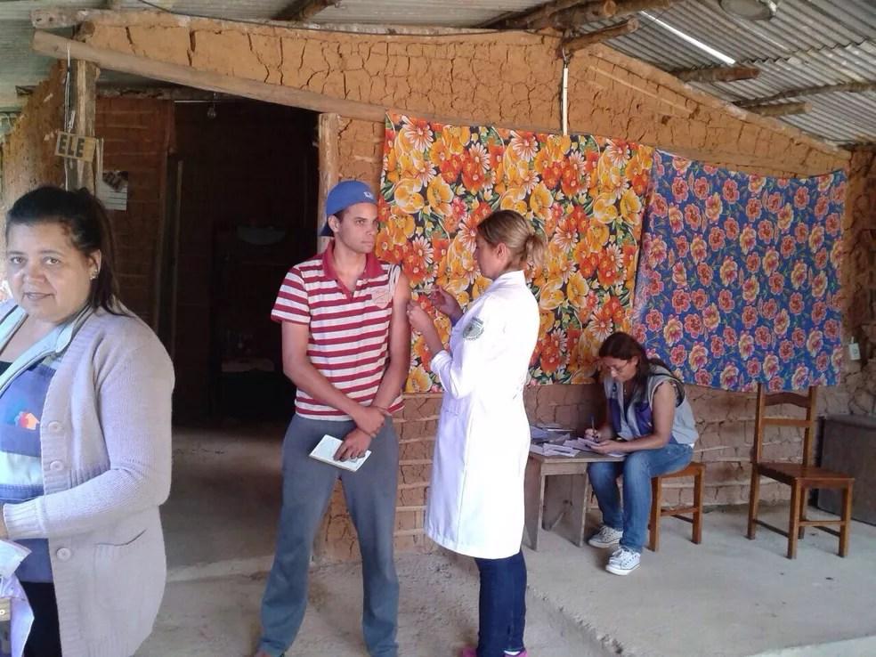 Vacinação contra febre amarela em quilombolas e assentamentos é intensificada em SP — Foto: Divulgação / Ascom PMP Petrópolis