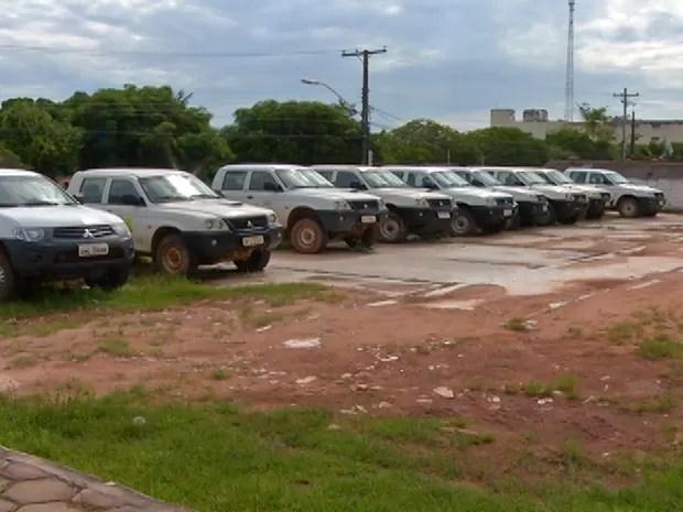 [Imagem: carros_parados.png]