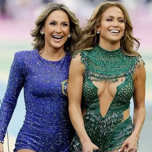 Jennifer Lopez e Claudia Leitte na abertura da Copa do Mundo 2014 (Foto: Getty Images)