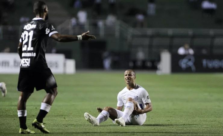 Santos cede empate ao Vasco e vê zona de rebaixamento mais próxima — Foto: Marcos Ribolli