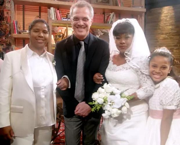 Bial e as noivas (Imagem: reprodução TV Globo)