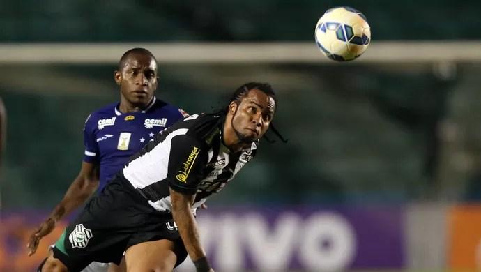 Carlos Alberto Figueirense x Cruzeiro (Foto: Agência Estado)