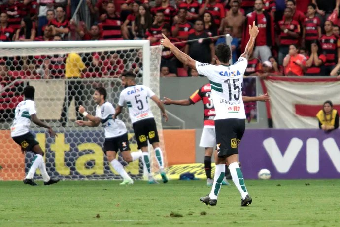 Coritiba Flamengo Henrique (Foto: Ag Estado)
