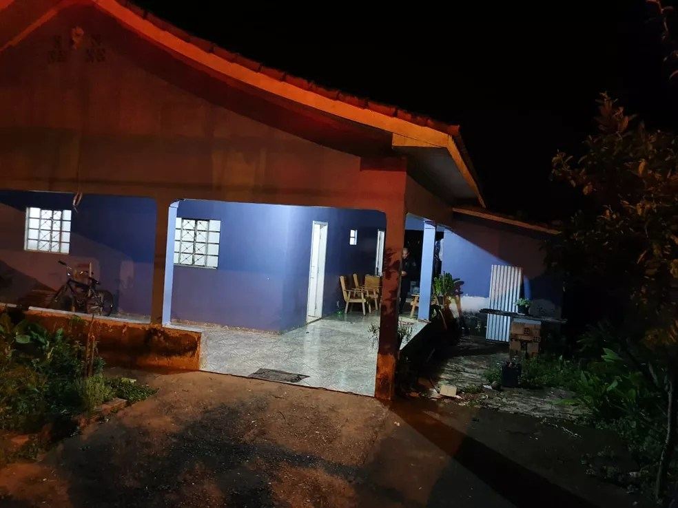 Adolescente mata avó e enterra corpo no quintal de casa, em Jaru — Foto: Portal P1/Reprodução
