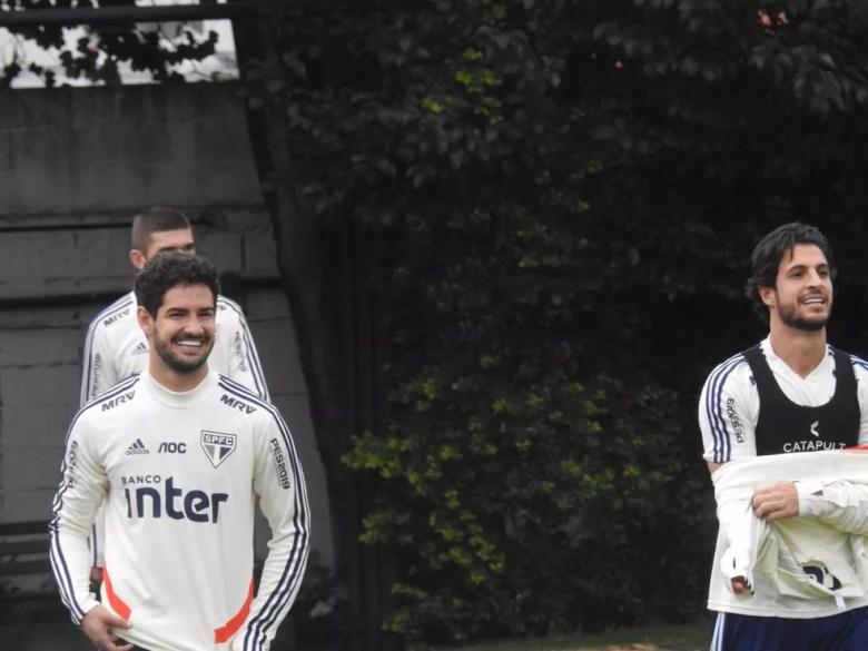 Alexandre Pato durante treino do São Paulo desta sexta — Foto: Marcelo Hazan