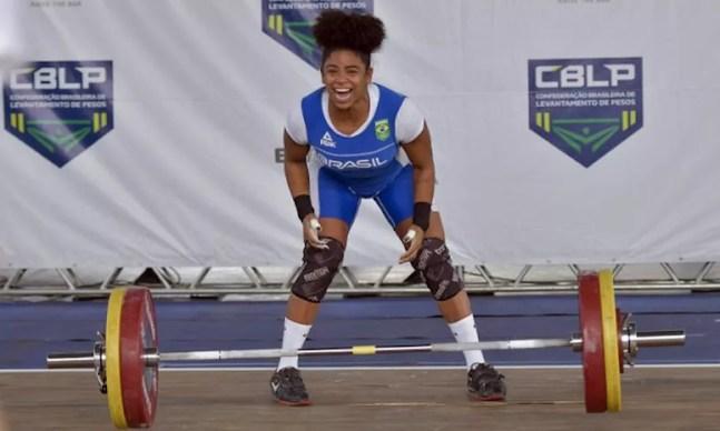 Laura Amaro campeã brasileira de levantamento de peso — Foto: Washington Alves/Light Press/CBLP