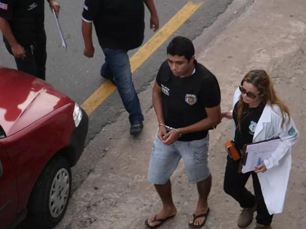 Jonathan Silva mostrou bastante frieza durante o trabalho de reconstituição (Foto: Flora Dolores/O Estado)
