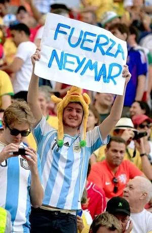 cartaz neymar - argentina x bélgica (Foto: AFP)