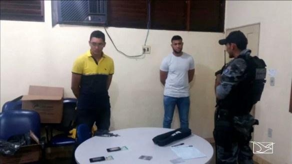 José Leonardo Marques e José Jonathan Alves foram presos durante a realização da prova (Foto: Reprodução/TV Mirante)