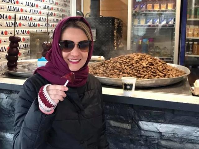 A paranaense Larissa Guedes Hussein Dib está com o marido há um mês e meio em Teerã — Foto: Arquivo pessoal