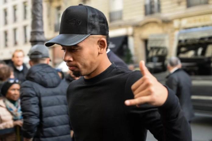 Gabriel Jesus já está em Paris com a Seleção (Foto: Pedro Martins/Mowa Press)