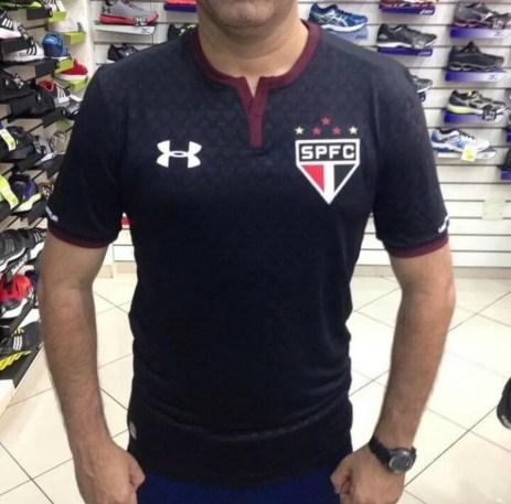 Imagem da terceira camisa do São Paulo vazou na internet (Foto: Reprodução)