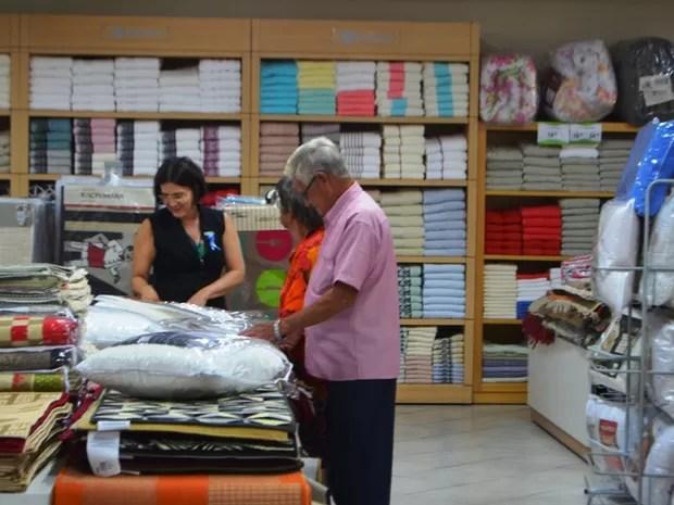 Em Ji-Paraná, lojas devem segurar quadro de funcionários até dezembro (Foto: Samira Lima/ G1)