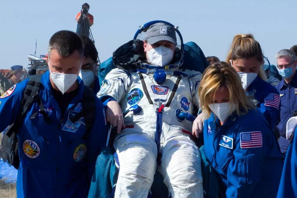 Astronauta americana, Kathleen Rubins, volta à Terra após sete meses no espaço em 17 de abril de 2021 — Foto: Irina Spector/GCTC/Roscosmos/Reuters