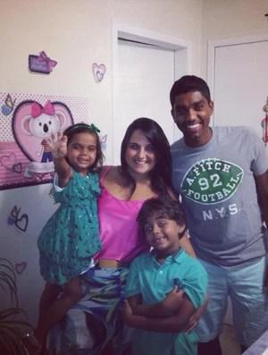 Bruno vive com a esposa e os filhos Pedro Henrique e Maria Luisa (Foto: Arquivo Pessoal)